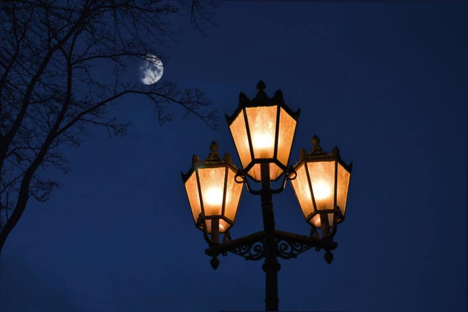 How Tall Are Street Lights? Find The Answer