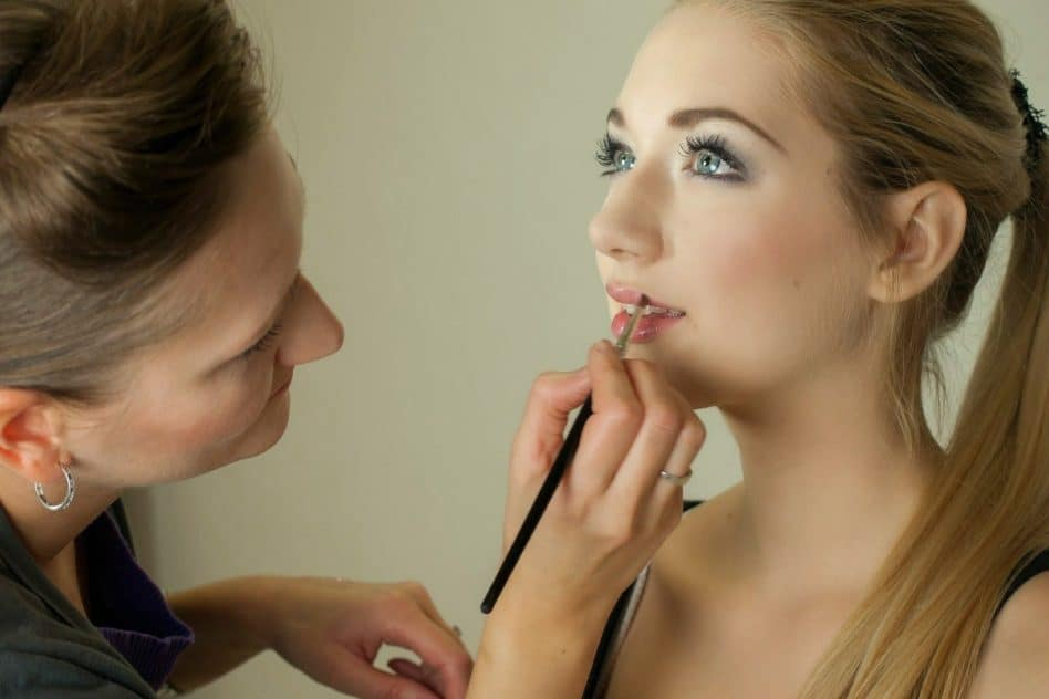 Is LED Lighting Good for Applying Makeup?