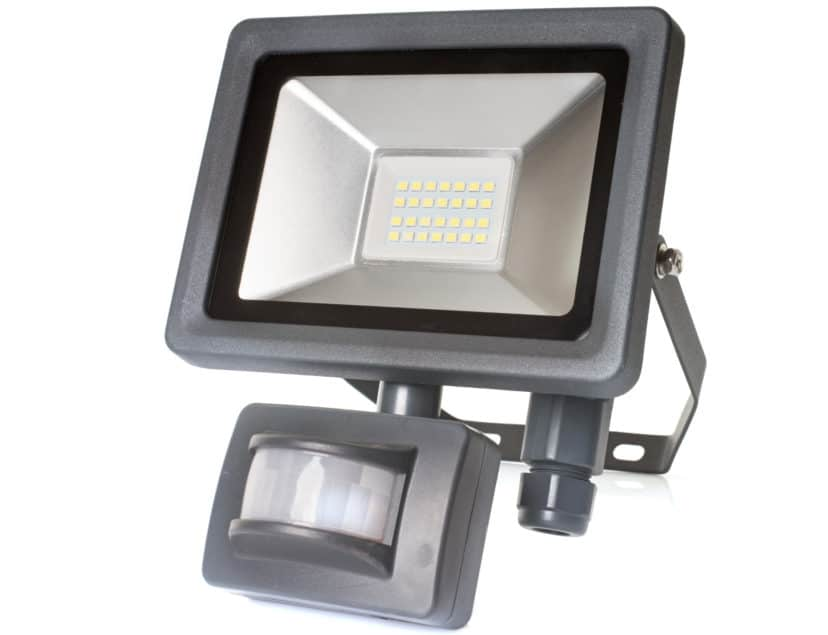 LED spotlight with integrated motion sensor