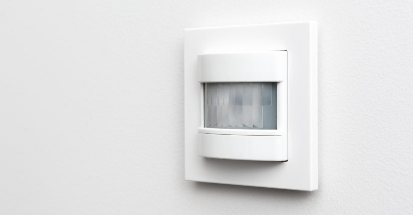 LED motion detector with flush mounting